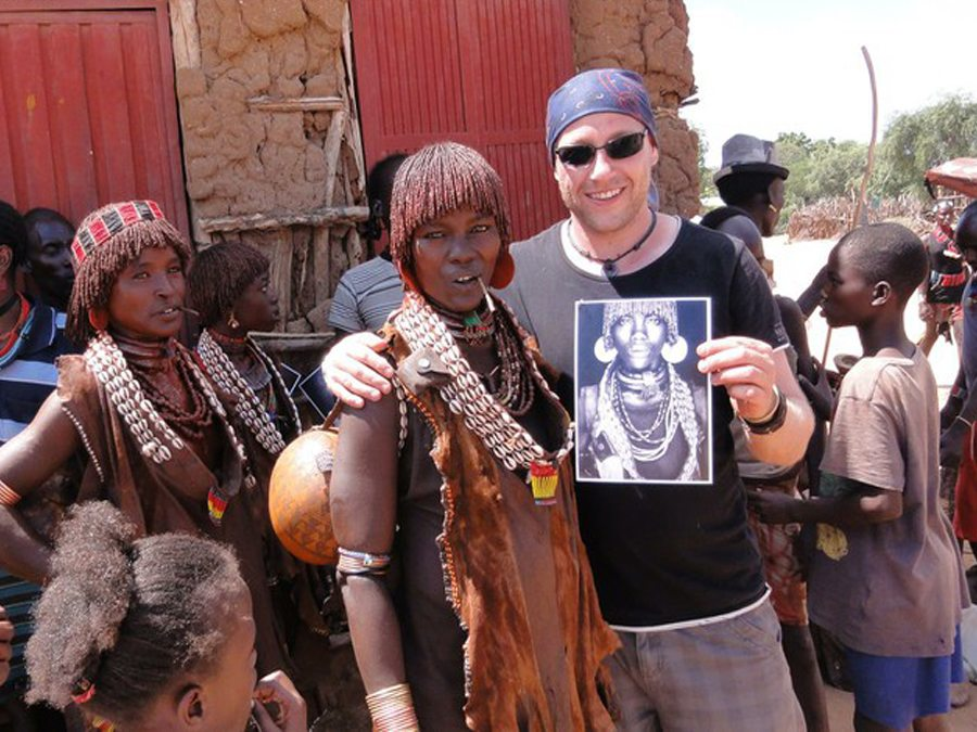 Photographer Mario Gerth with Hamar woman