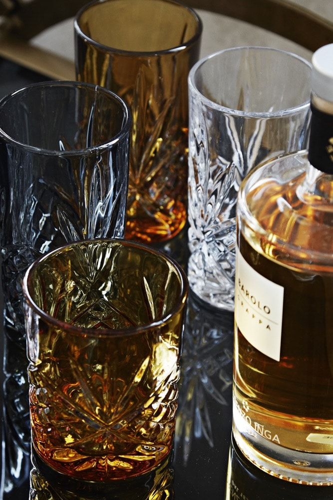 Accessories – Whisky Glass Amber and Smoke set – lifestyle 1 for web