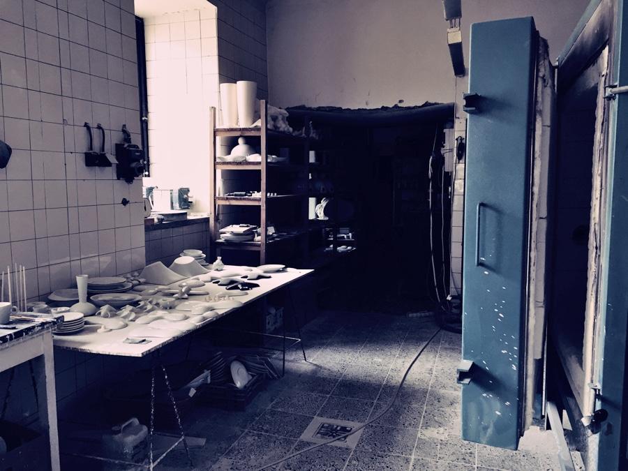Daniel Pirsc kiln workshop with casts and kiln