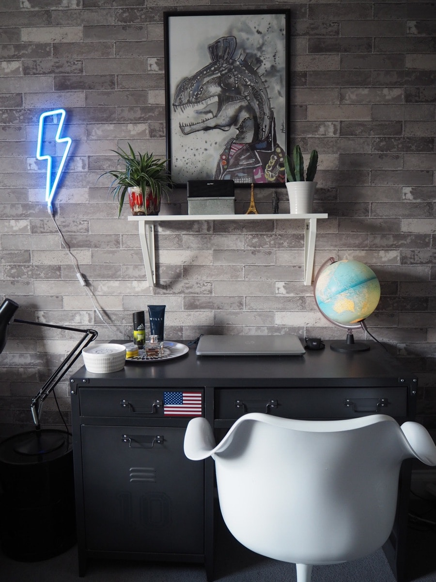 boys bedroom with neon