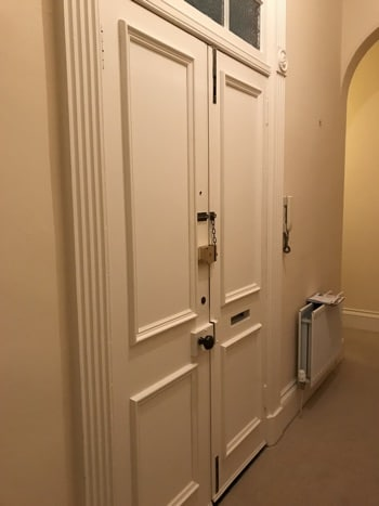 Edinburgh New Tow Apartment period features - double entrance doorway.