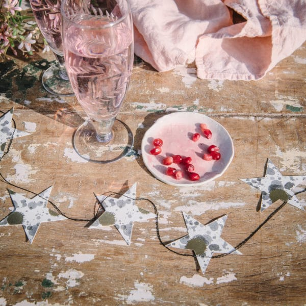 party paper star garland with gold