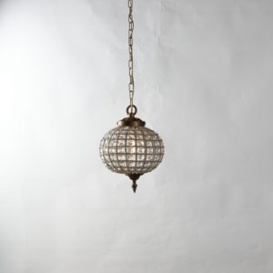 Curious Egg Cendrillon extra large size chandelier light lifestyle image.