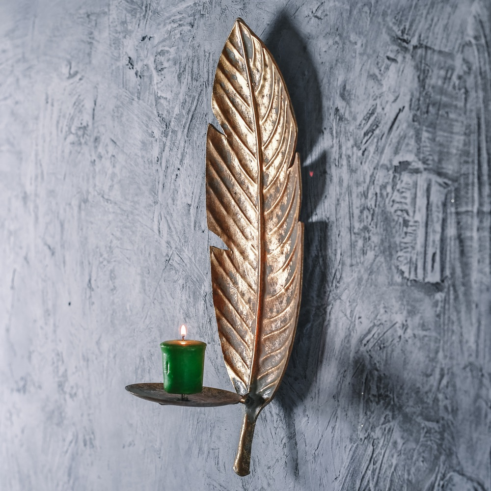Golden-Banana-Leaf-Wall-Sconce-Lifestyle