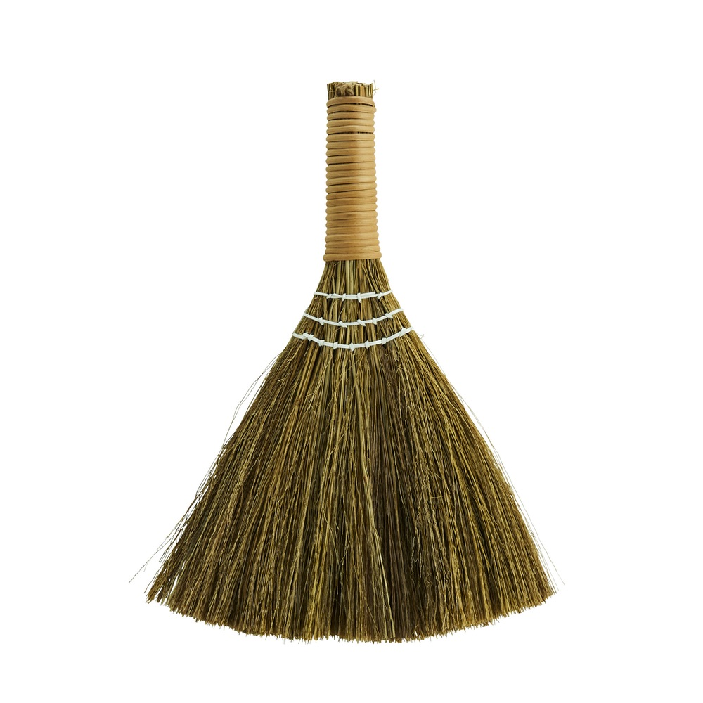 curiousegg-Little-Straw-Table-Broom-cutout-forweb